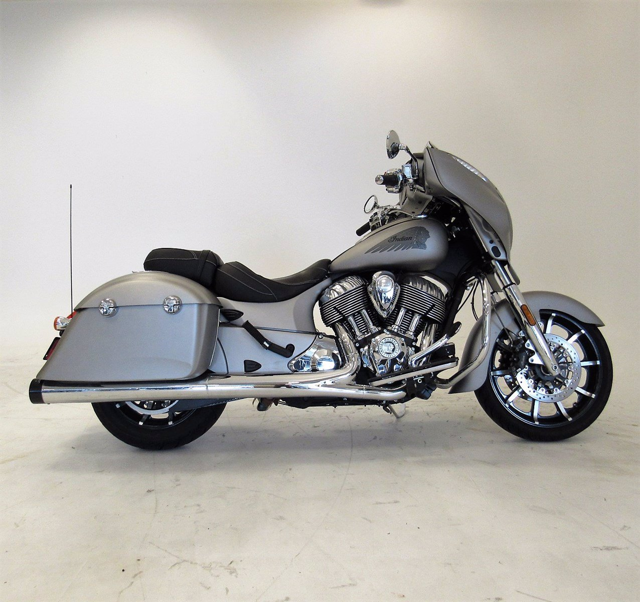 Pre-Owned 2017 Indian Chieftain Limited