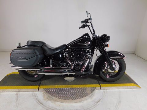 Pre-Owned 2018 Harley-Davidson Softail Heritage Classic FLHC